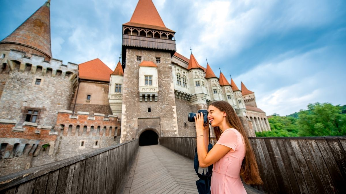 3 Beautiful Castles in Romania (with photos)